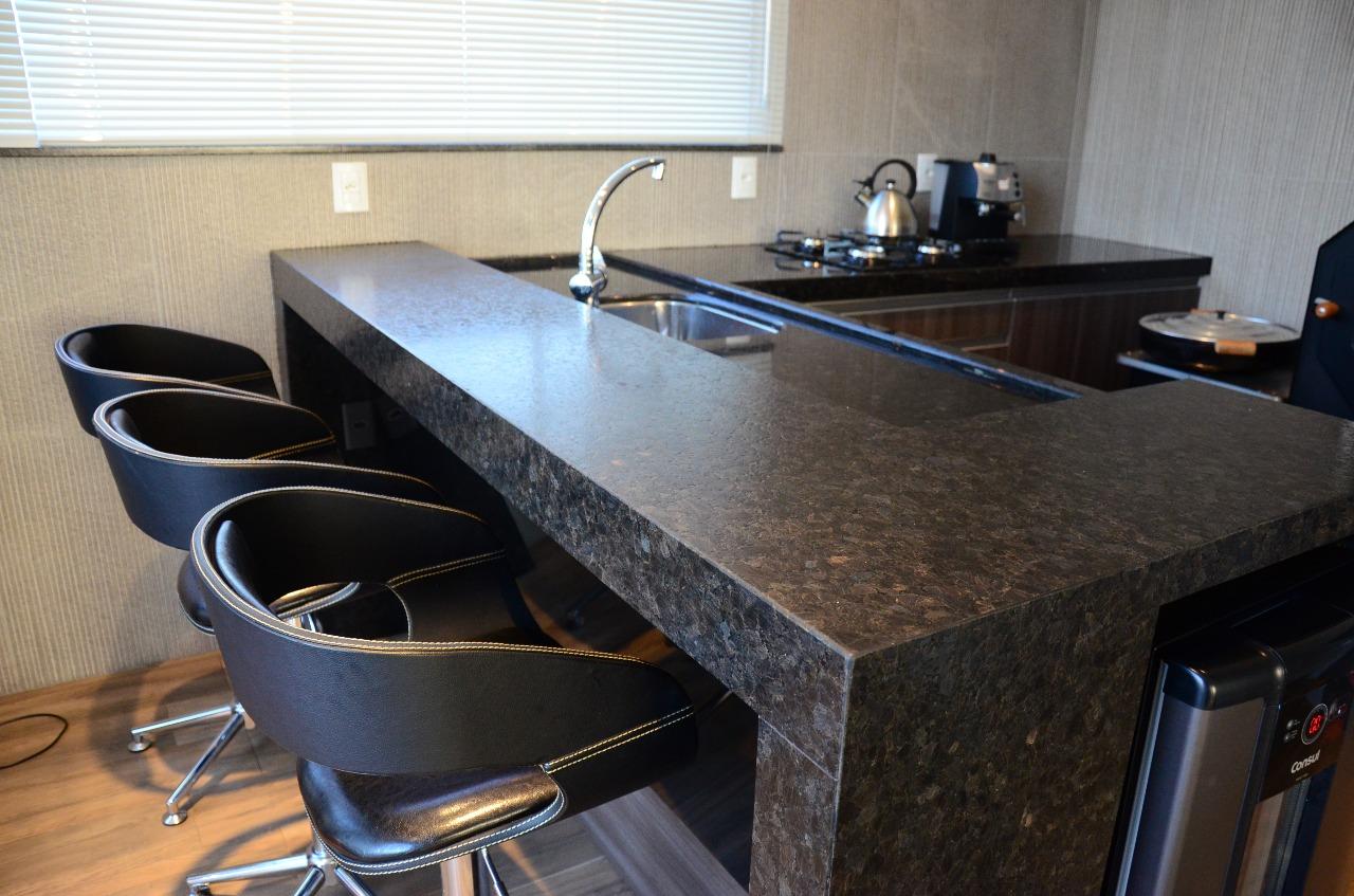 bancada-cozinha-granito-brown-pearl