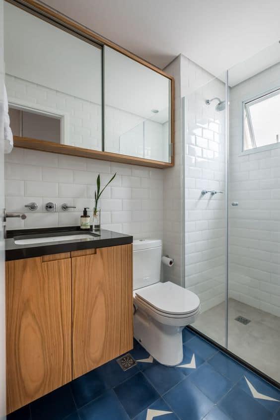 banheiro-banheiro decorado-banheiro com piso azul-banheiro com piso de azulejo-banheiro com azulejo