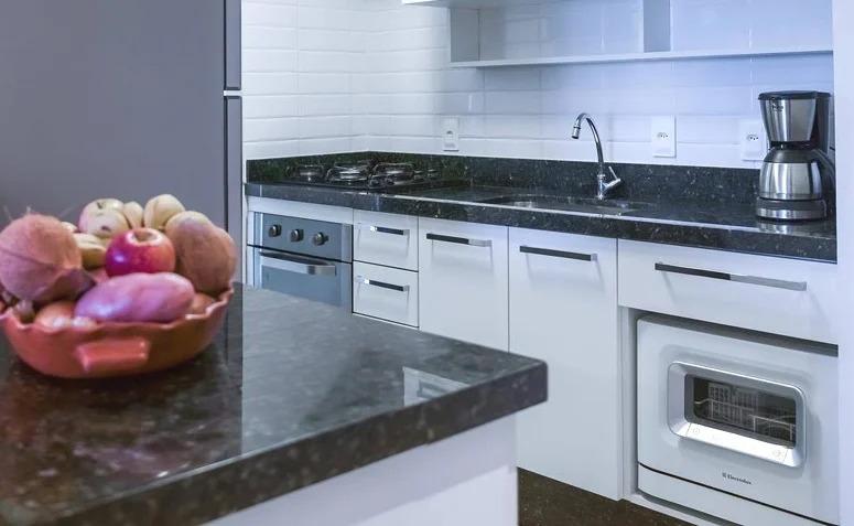 bancada-cozinha-granito-verde-ubatuba-preto