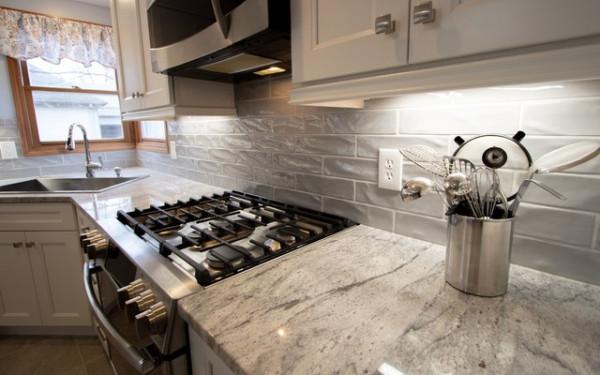 river-white-granito-bancada-cozinha