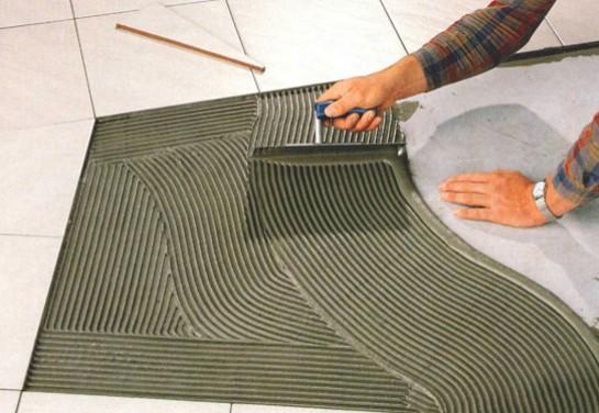 argamassa-aplicacao-piso-porcelanato-instalacao
