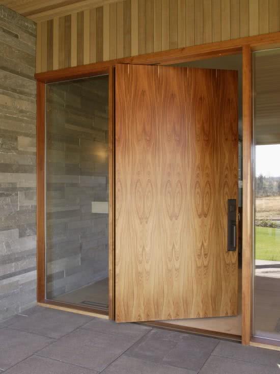 tipo-porta-madeira-area-externa