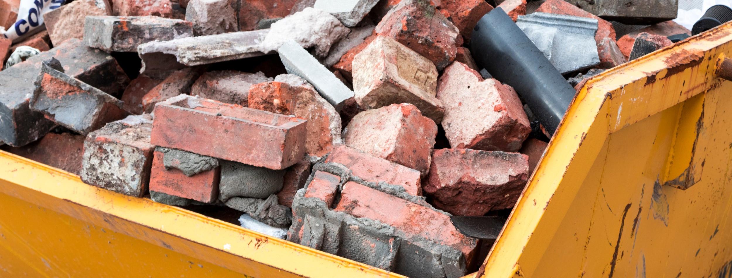 entulho-material-construcao-descarte-correto-pedras-cacamba