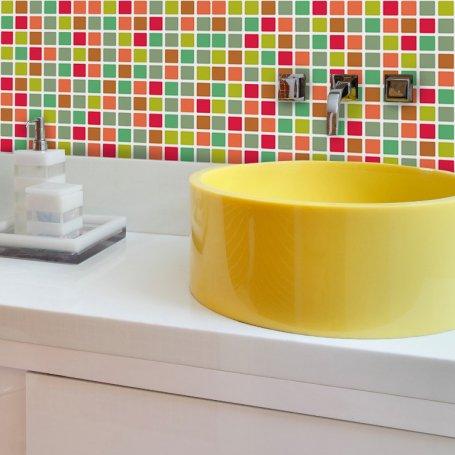 papel-de-parede-pastilhas-coloridas-banheiro