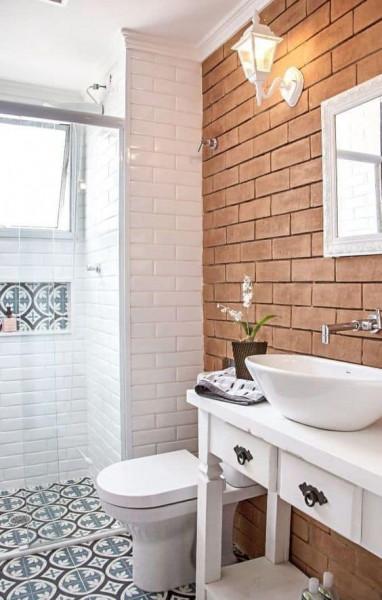 Papel de parede para banheiro pode molhar