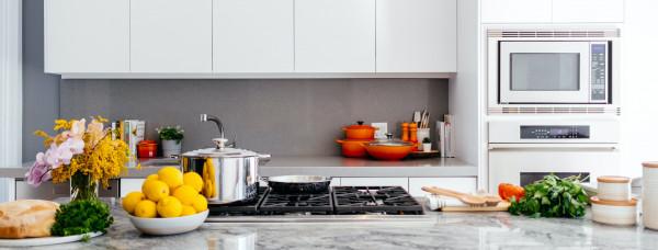 cozinha-bancada-alimentos-organizar