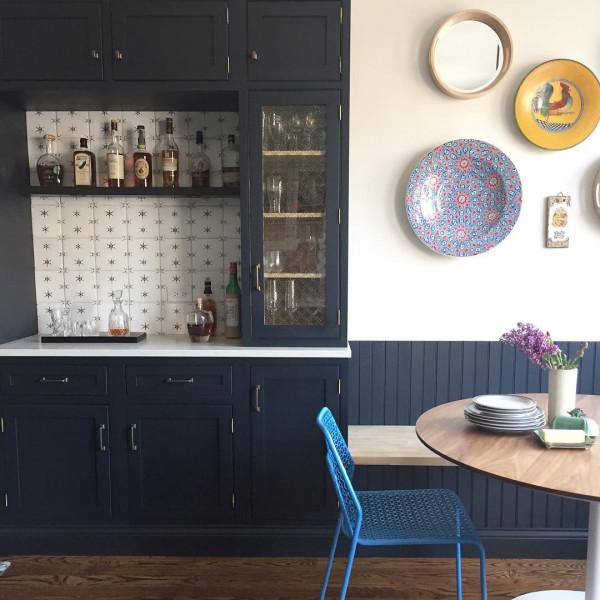 Cozinha-retro-moveis-madeira-azul