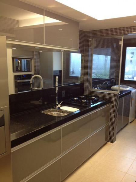 cozinha-pequena-ampliada-espelho