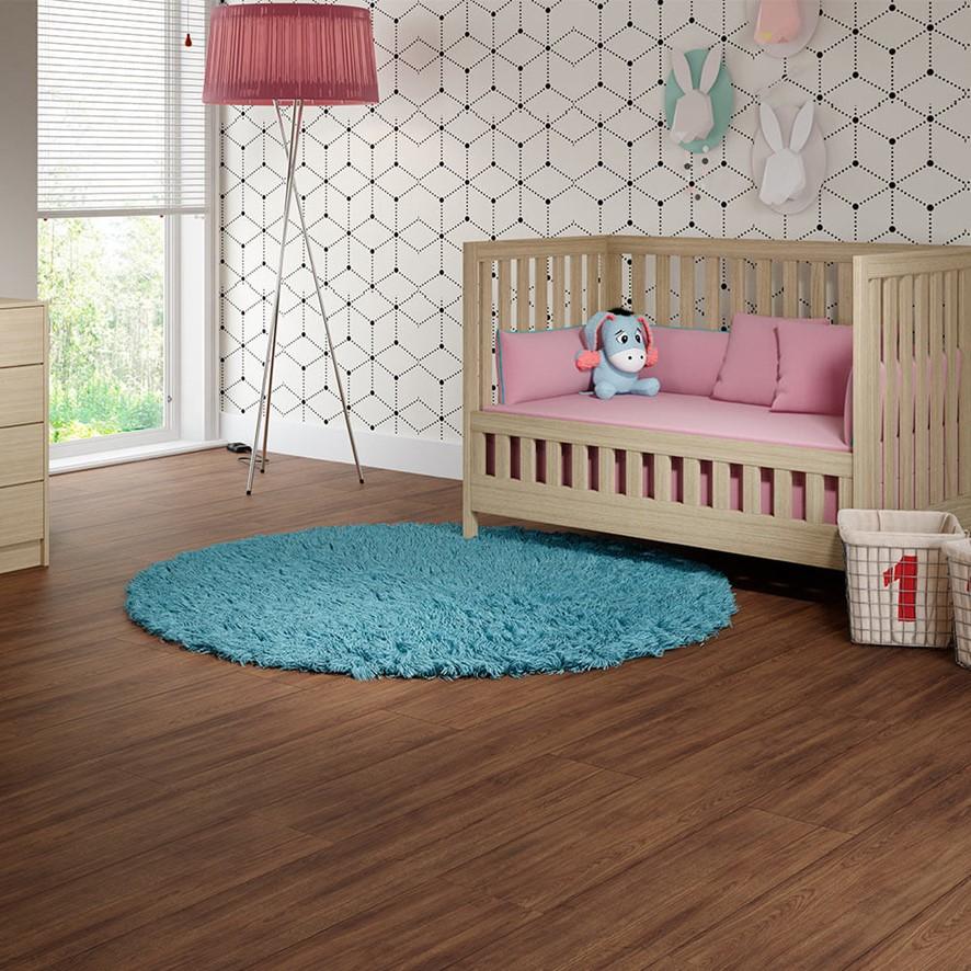 quarto-bebe-piso-laminado