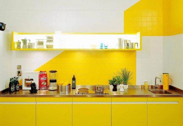 tinta-para-azulejo-de-cozinha-amarela