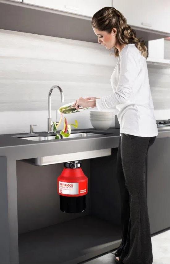Triturador-de-Residuos-de-Alimentos-55-220V-Franke-funcionamento-interno-instalacao (1)