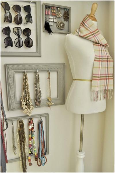 acessorios-pendurados-armario-guarda-roupa-colares-pulseiras-brincos-cachecol-ganchos-parede
