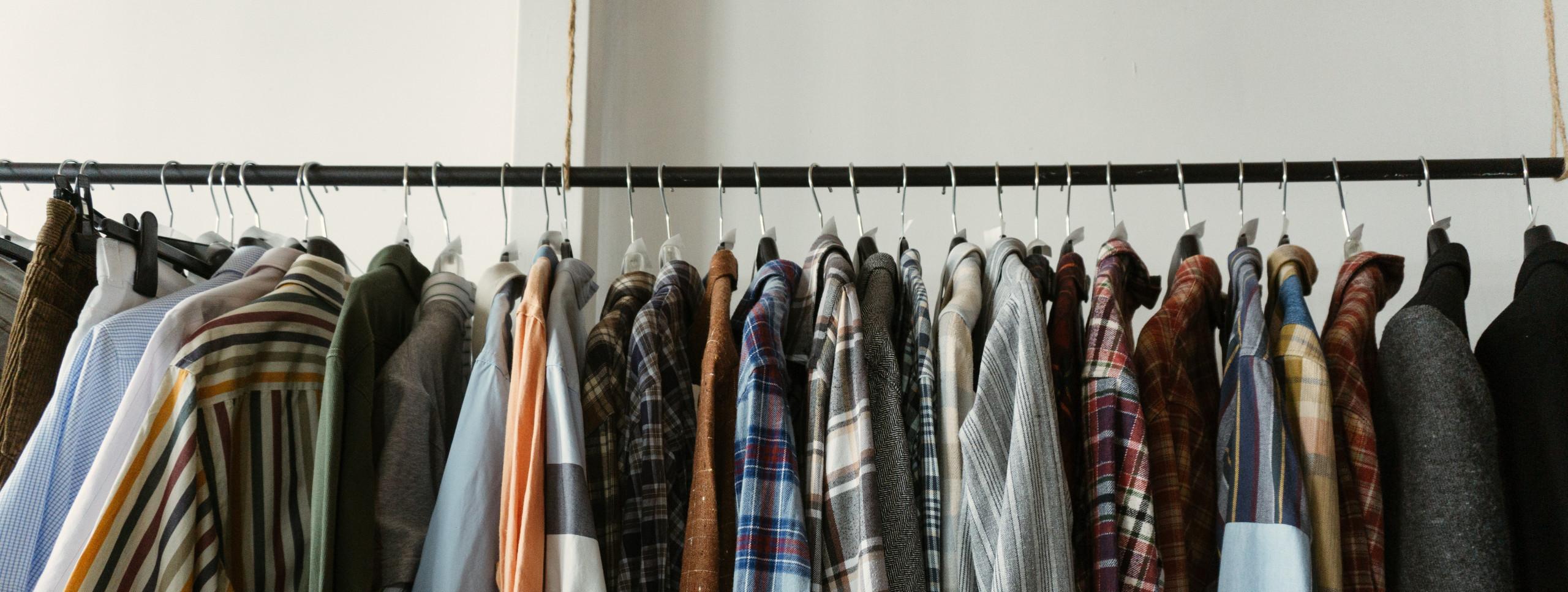 roupas-closet-armario-cabide-guarda-roupa-organizacao-organizar-dicas
