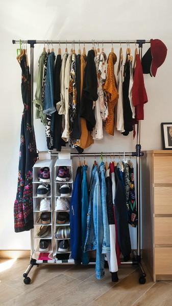 roupas-cabide-organizacao-pratico-praticidade-sapatos-casacos-armario-prateleira-rotina-organizacao