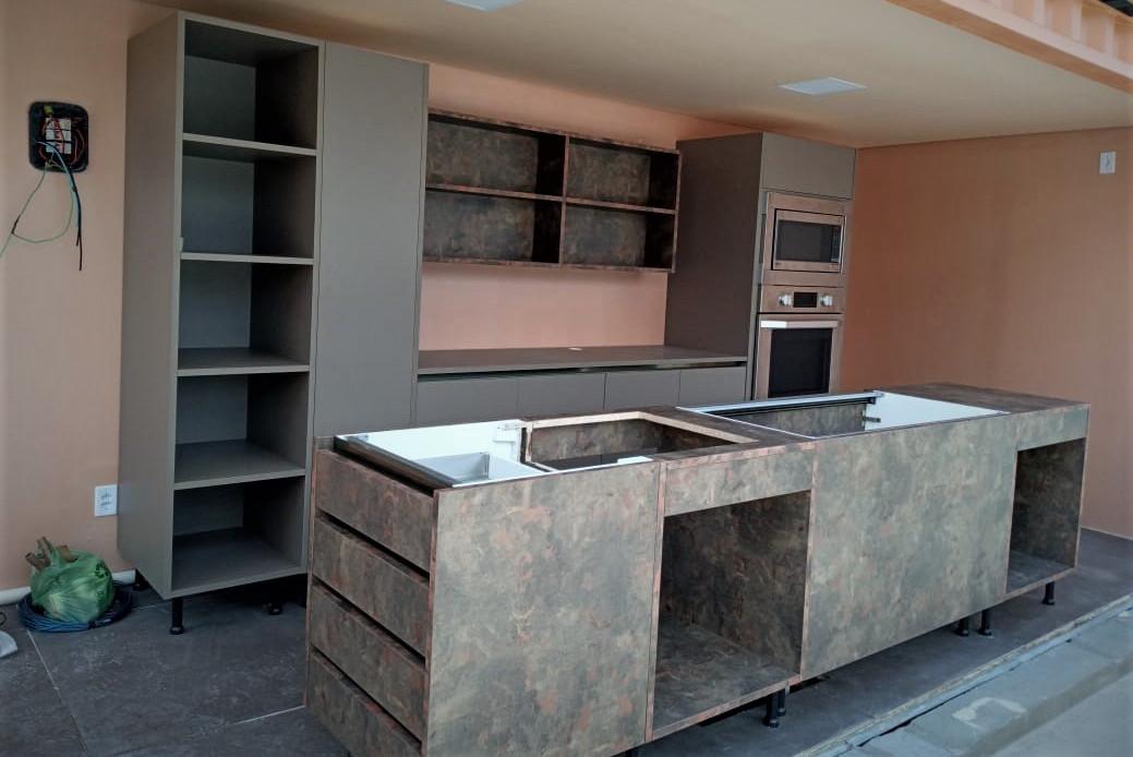 bancada-ilha-cozinha-madeira-moderna