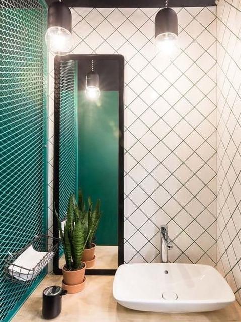 revestimento-diagonal-banheiro-quadriculado-lajotinhas-quadradinho-industrial-moderno-colorido