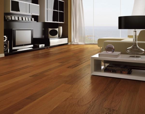 piso-madeira-escura-amadeirado-estruturado-instalacao-sala-estar