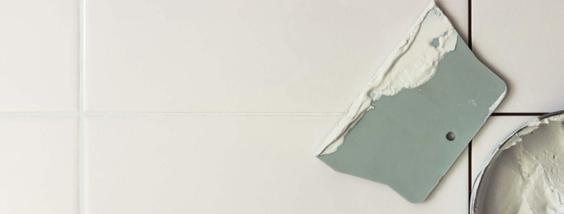 cor-rejunte-renovar-limpar-parede-revestimento-banheiro-branco