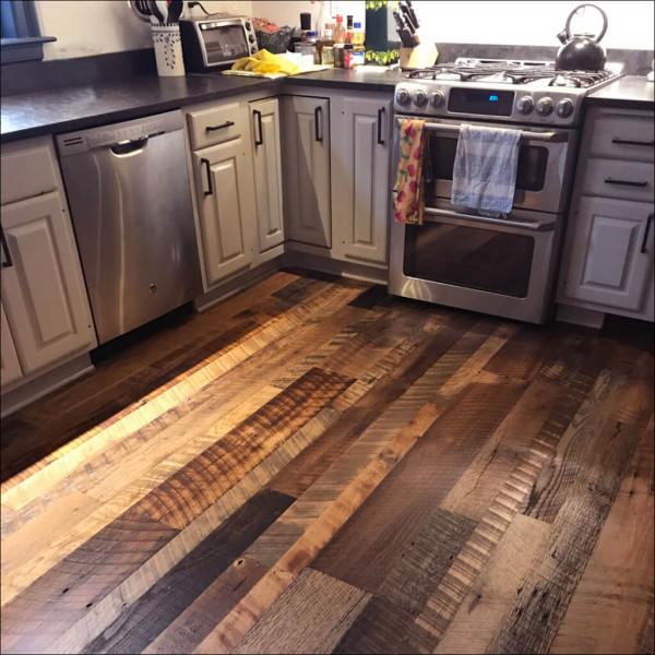 piso-madeira-escura-demolicao-cozinha