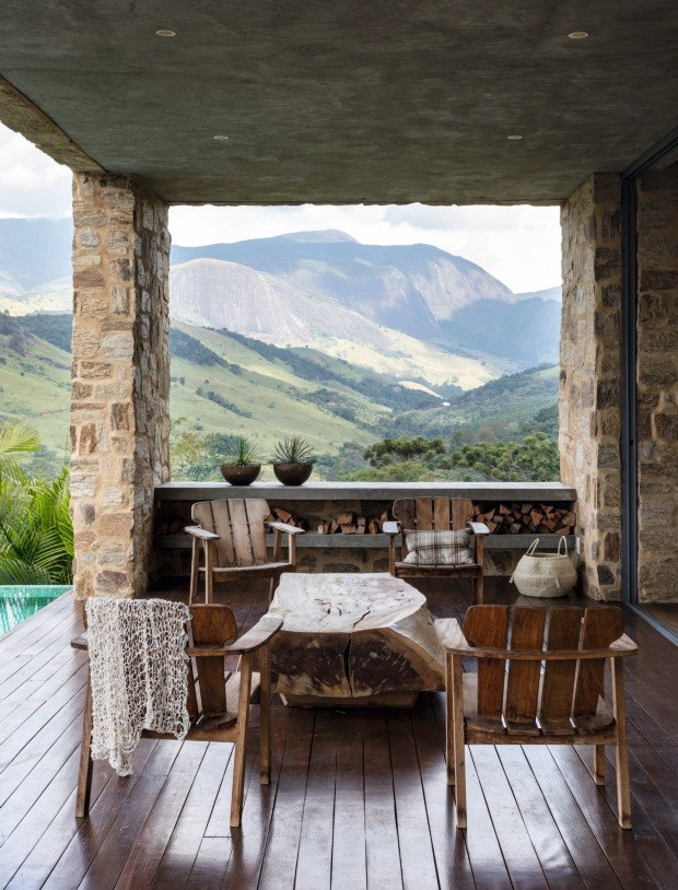area-externa-piscina-casa-campo-conforto-rustico-sofa