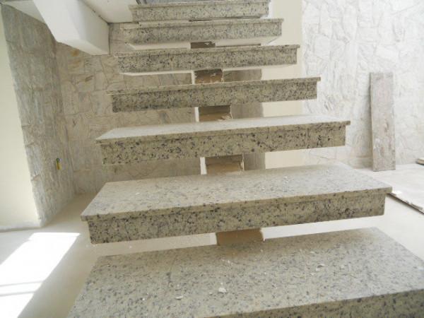 escada-vazada-branco-dallas