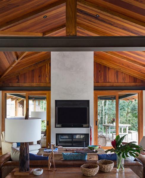sala-estar-industrial-revestimento-forro-rustico-madeira-moderno-casa-campo-decoracao