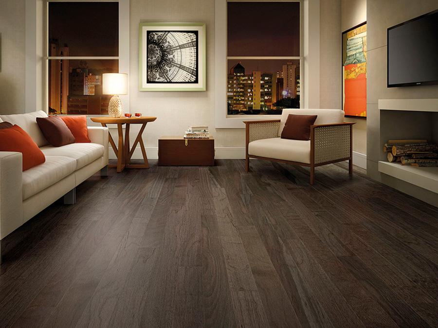 piso-escuro-porcelanato-amadeirado-madeira-sala-estar-apartamento