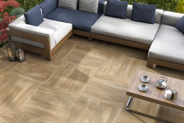 piso-porcelanato-amadeirado-embramaco-sala-casa-apartamento-madeira