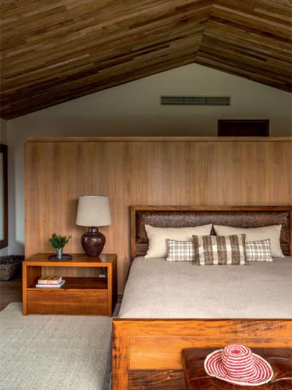 quarto-casa-campo-rustico-conforto-iluminacao-madeira-painel-revestimento-acabamento-decoracao
