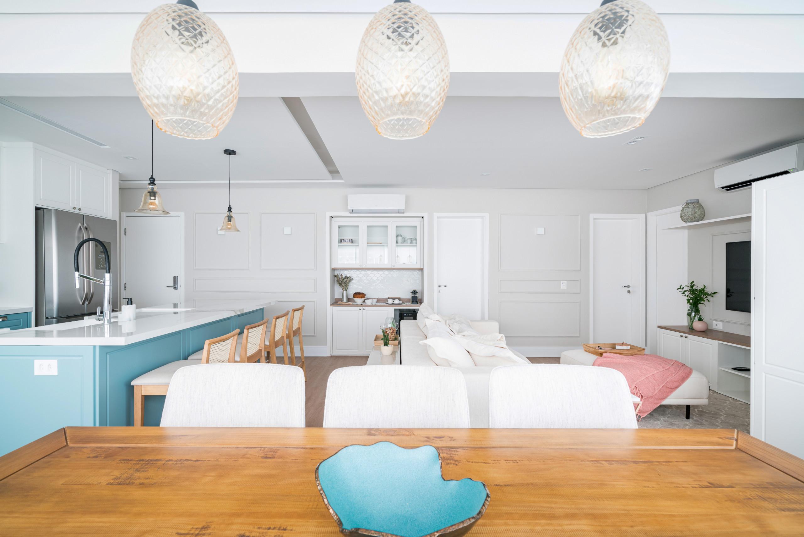 mesa-apoio-panela-pedra-madeira-estilo-escandinavo-luz-luminaria-pendente-branco-clean-minimalista