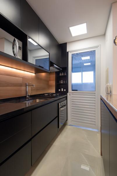 armário-cozinha-luz-embutida